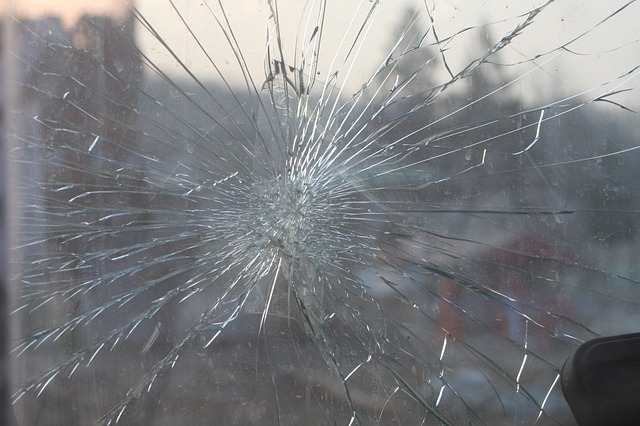 broken-glass-269716_640.jpg