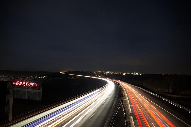 highway-256869_640.jpg