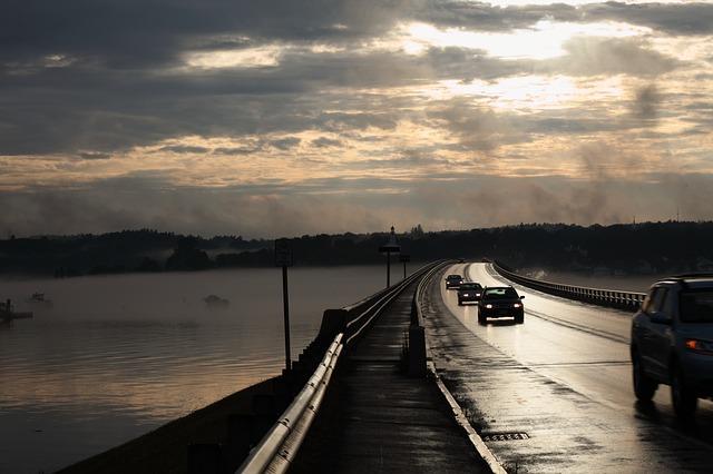 bridge-173434_640.jpg