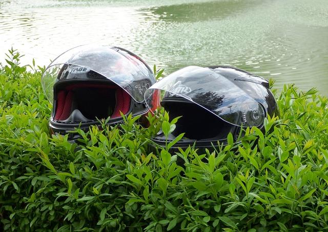 helmet-343607_640.jpg