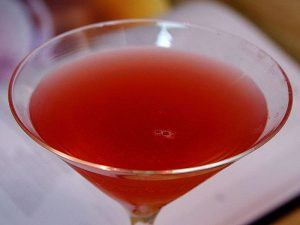 800px-Cosmopolitan_cocktail_drink