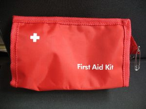 800px-First_aid_bag