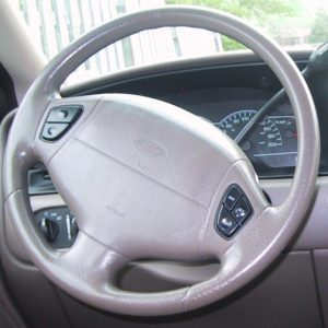 1999-2000_Ford_Windstar_Steering_Wheel