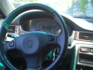 800px-Rover_414i_steering_wheel-300x225