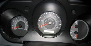 800px-Tach-sped-gauges-300x152